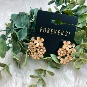 NWT FOREVER 21 Coral Floral earrings